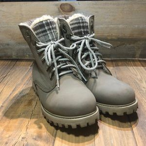 Left And Right Wool Lined Winter Combat/Work Boot